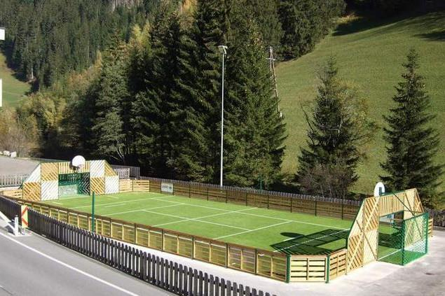 Sportplatz-Ausservillgraten.jpg