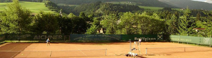 Tennisplatz-Abfaltersbach.jpg