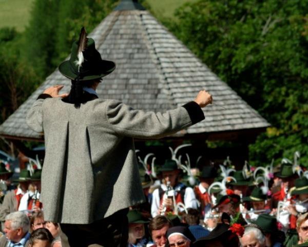 Trachtenmusikkapelle-Kals-am-Grossglockner.jpg