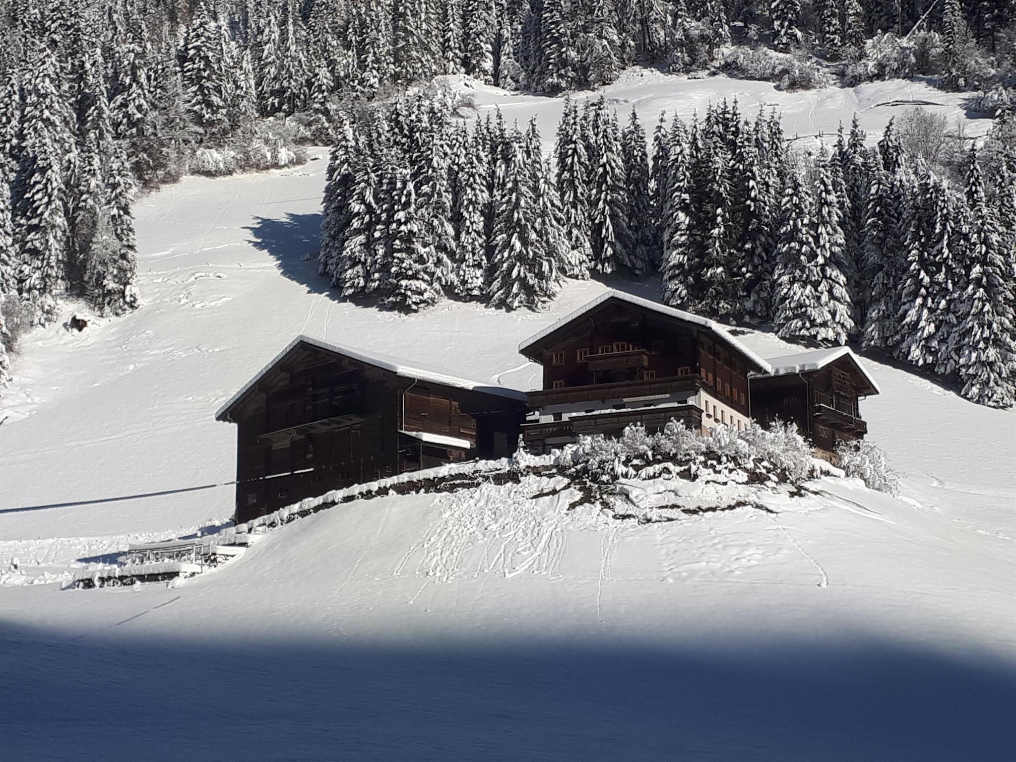Unser-Hof-im-Winter.jpg