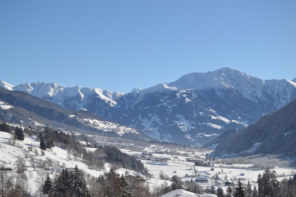 Unsere-Aussicht-im-Winter.jpg