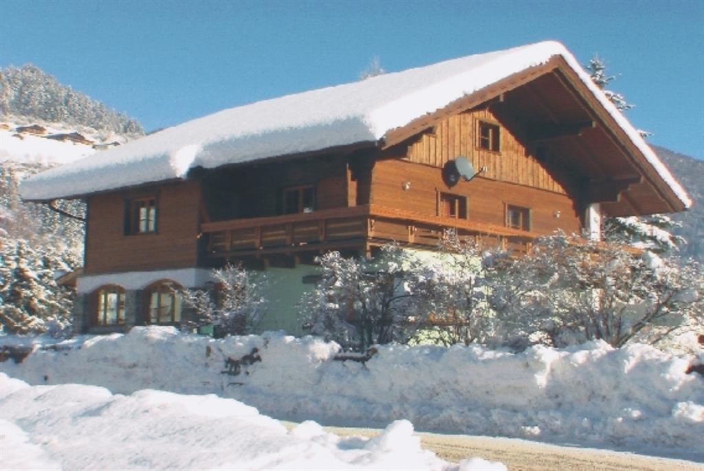 Villa-Lercher-in-Winterpracht-1.jpg