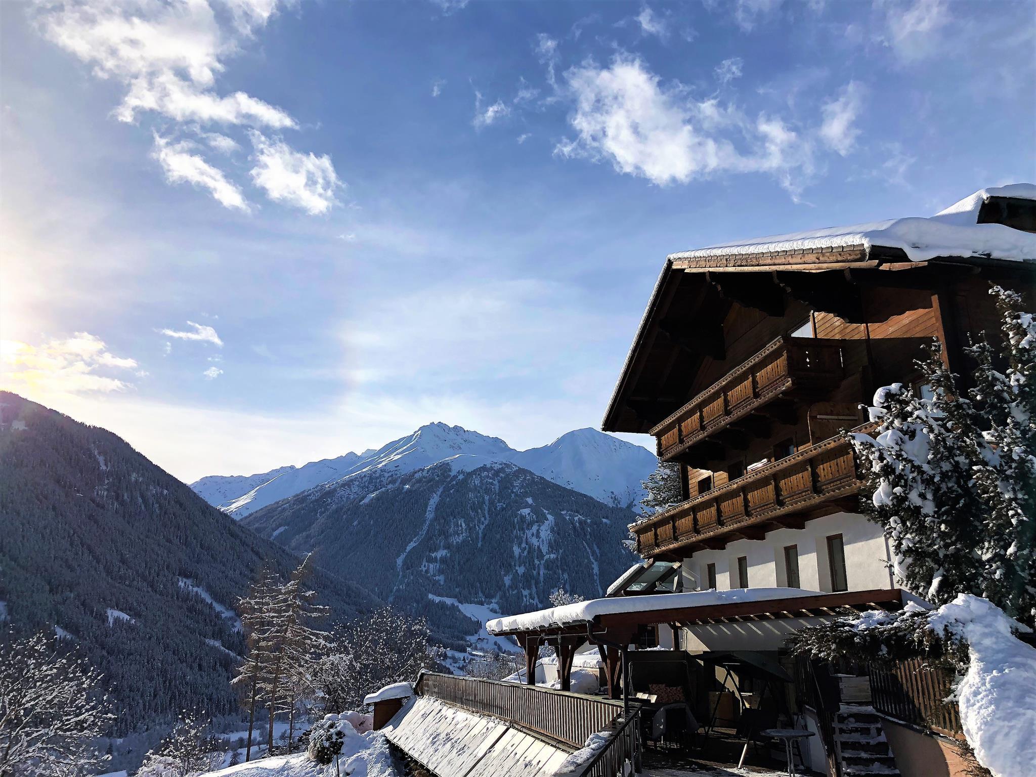 Winter-Virgen-Osttirol-Schlossnerhof-Zimmer-Erholu.jpg