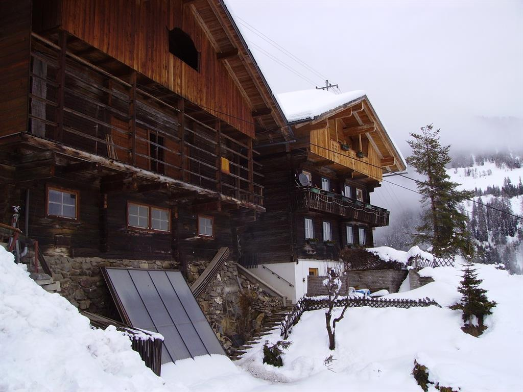 Winteransicht-Untererschbaumerhof.jpg