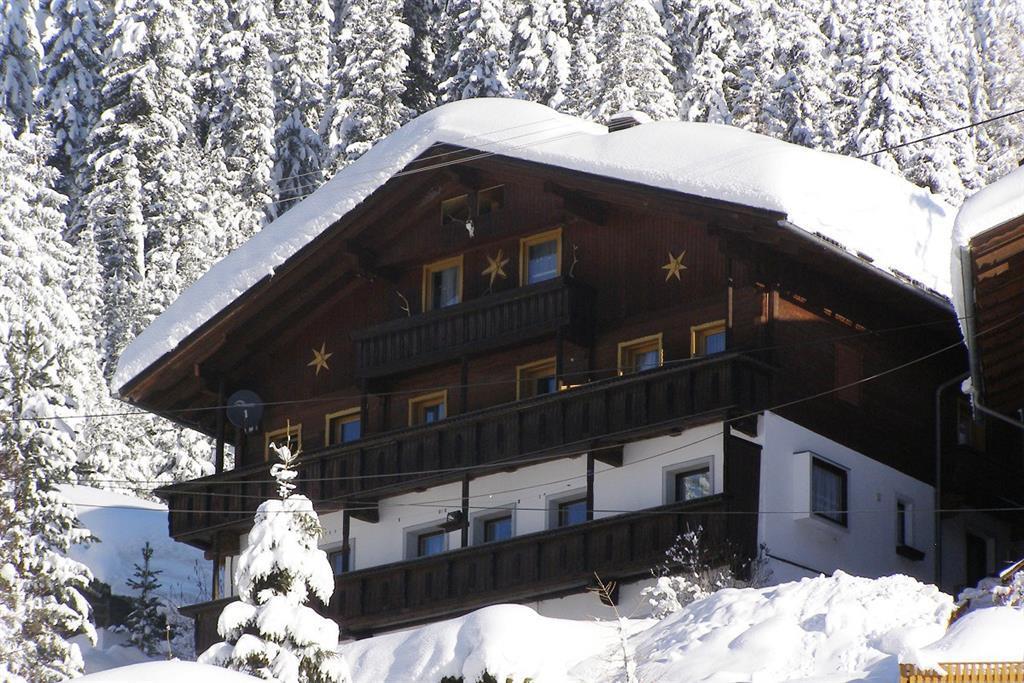 Winteransicht-Oberindersterhof.jpg